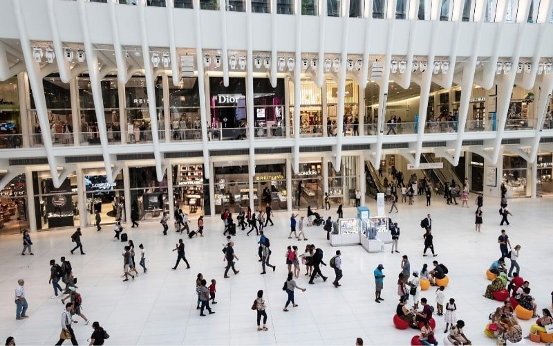 People at mall - How to Quit Fast Fashion