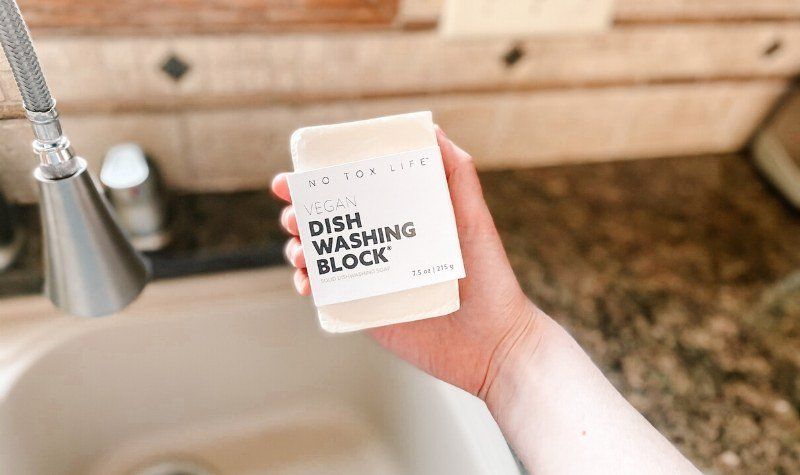 Zero waste kitchen - dish washing block