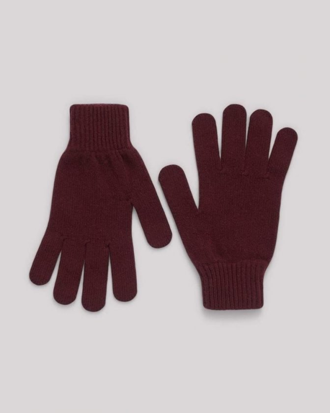 Sustainable gloves, scarves and winter hats from Organic Basics
