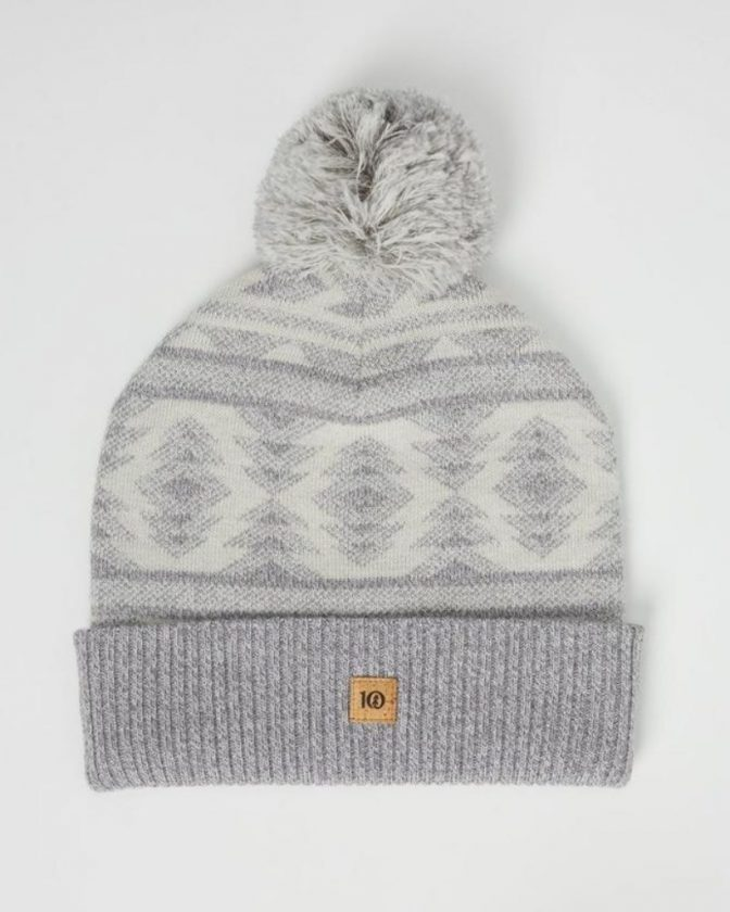 Sustainable Winter Hats and Scarves from Tentree