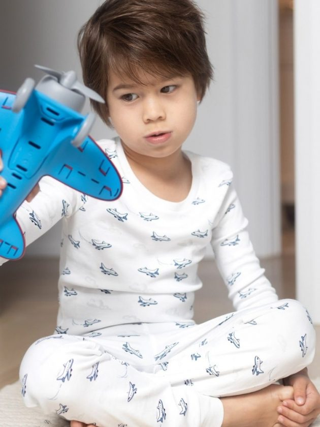 Kid with sustainable and eco-friendly clothing from 12 | 12