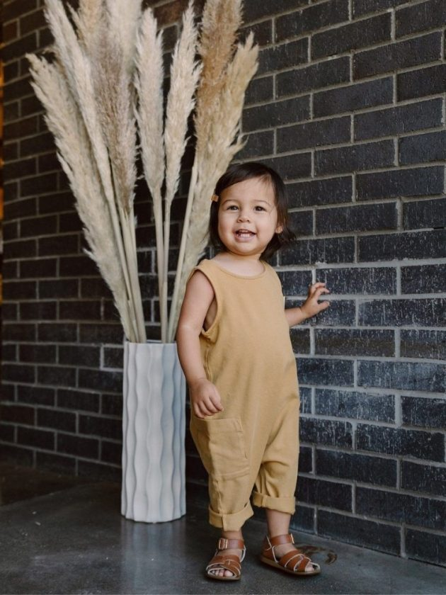 Kid with sustainable and eco-friendly clothing from Made Trade