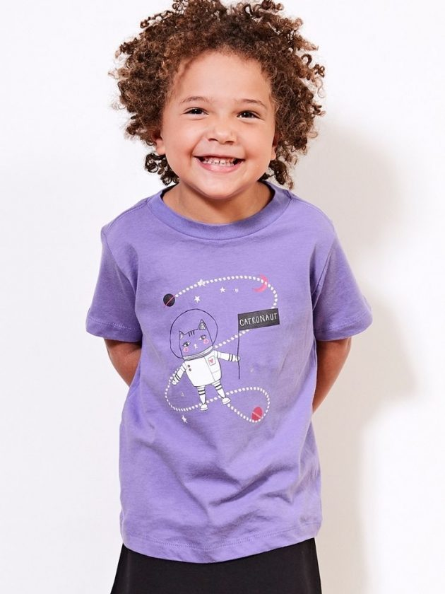 Kid with sustainable and eco-friendly clothing from PACT