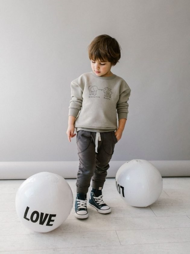 Kid with sustainable and eco-friendly clothing from petitTembo